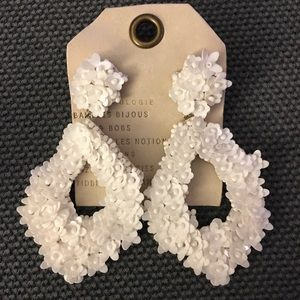 Anthropologie Florette Teardrop Earrings ZE36n